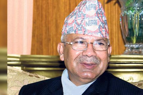 अप्ठ्यारोमा नेता नेपाल